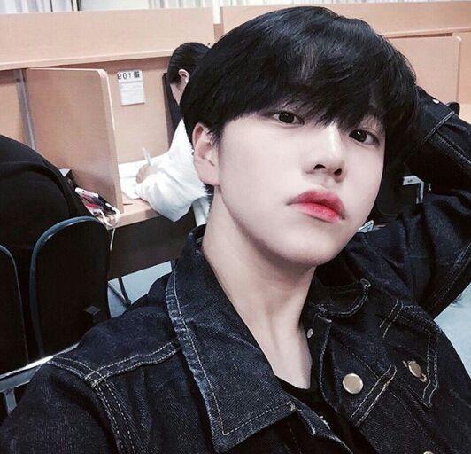 Compartilhando Fotos Comeco 15 09 16 Diversos Diversos Amreading Books Wattpad Cute Korean Boys Korean Boys Ulzzang Ulzzang Boy