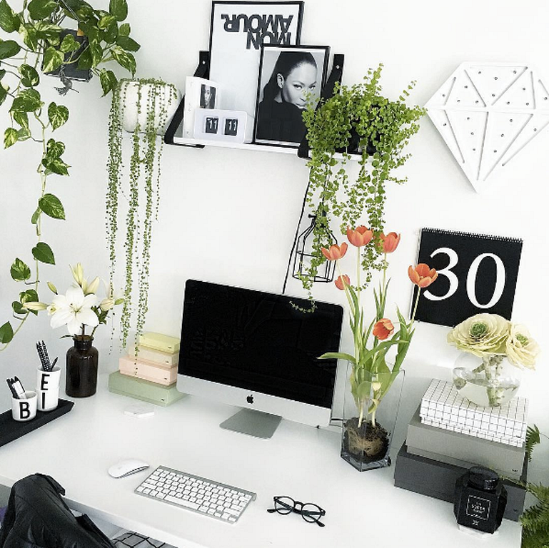 30 Black And White Office Designs For Small Home Cubicle Decor Office White Office Decor Office Desk Decor