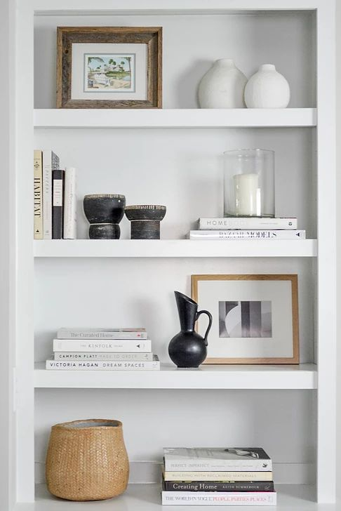 Photo of built-in shelves // living room shelves // designed shelves
