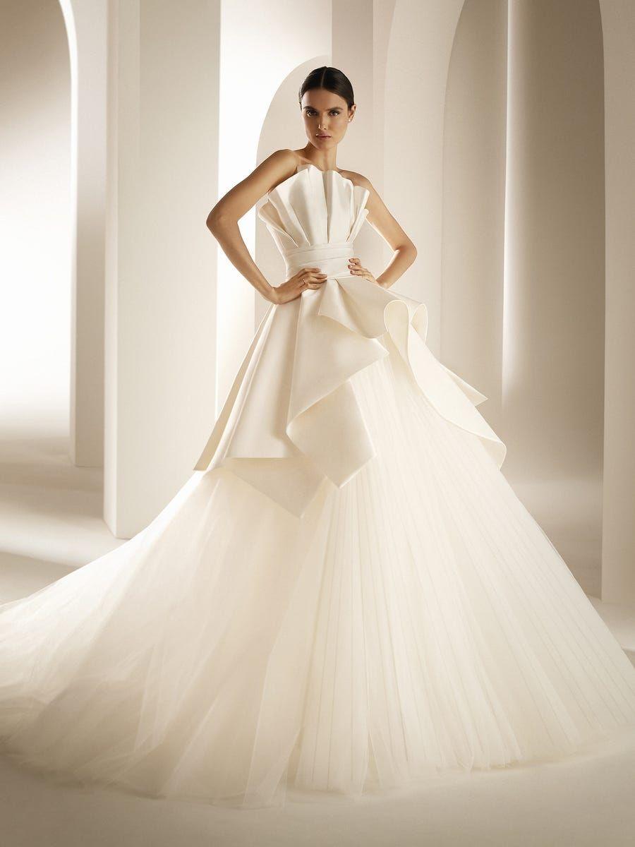 YAKIMA   Princess wedding dresses, Summer wedding dress, Wedding ...