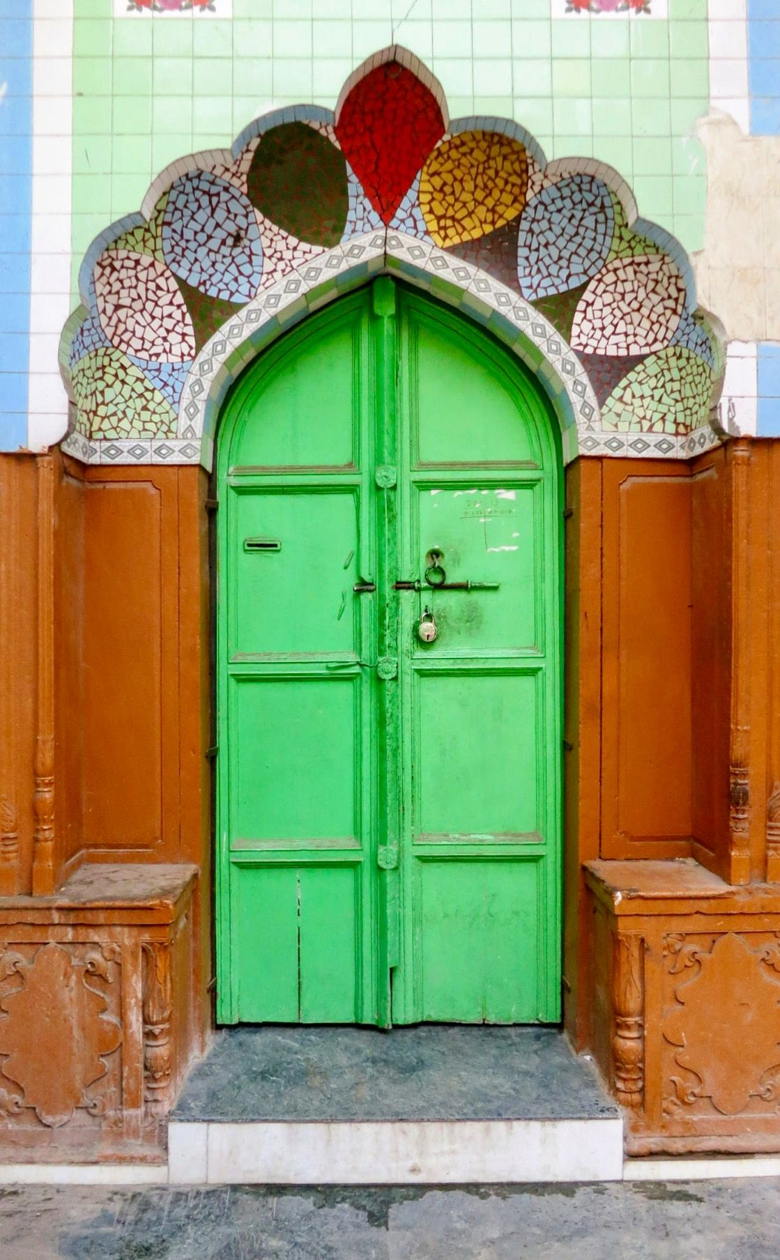 六つ子色の綺麗なドア A おしゃれまとめの人気アイデア