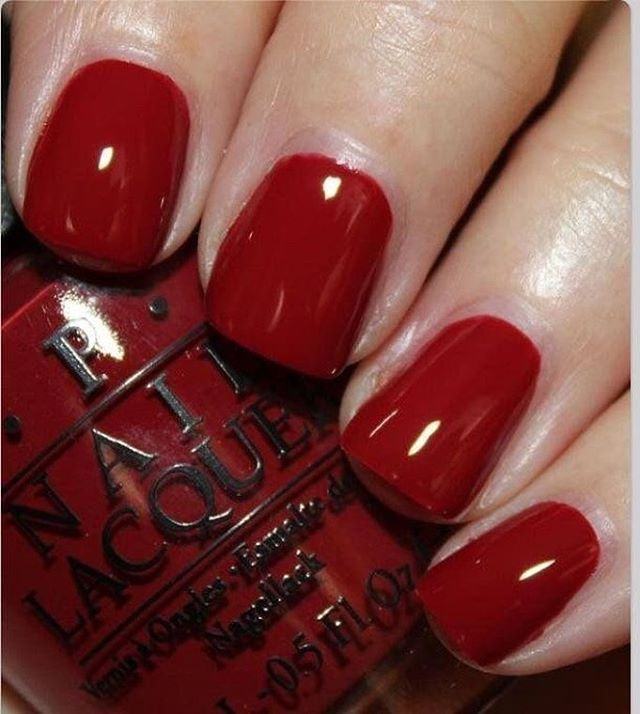 Red nails for Friday night party