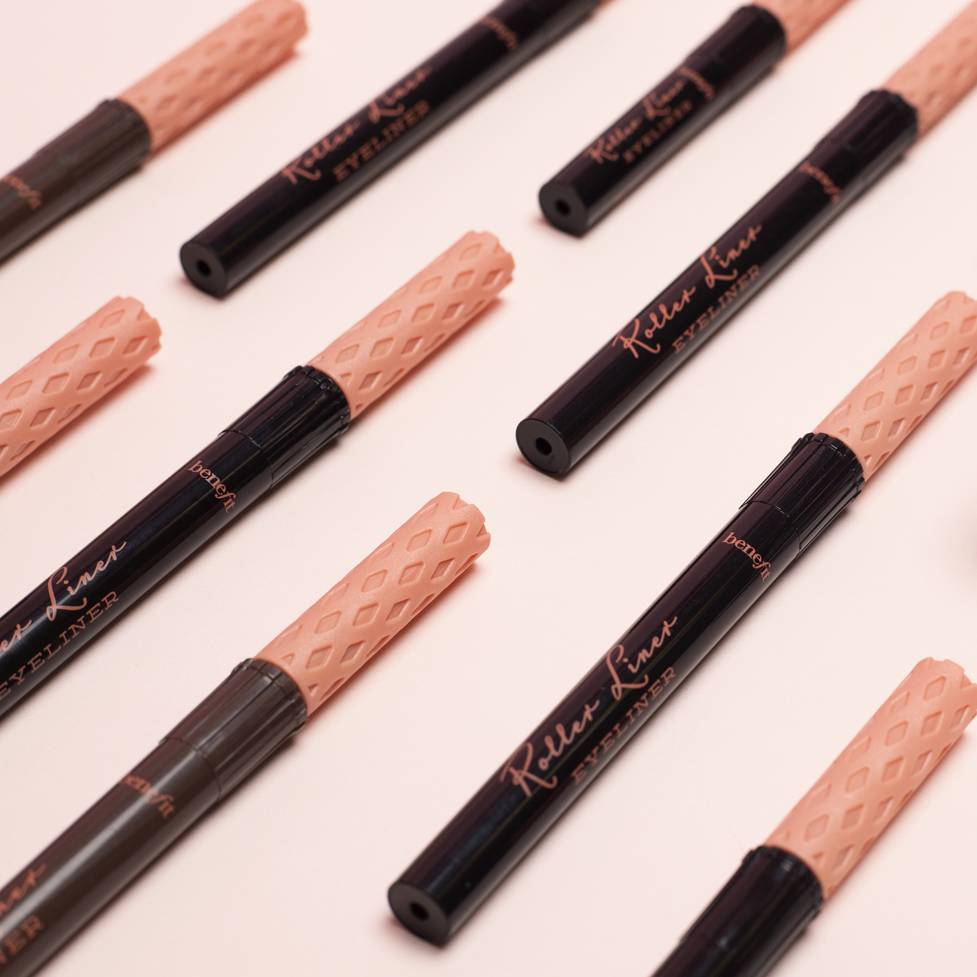 Benefit Roller Liner Eyeliner in Black Matte liquid