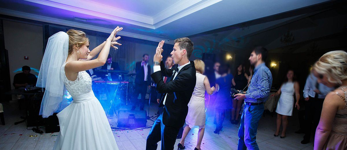 15 Brother Sister Wedding Songs To Dance To Wedding Forward In 2020 Wedding Dance Songs Wedding Parties Pictures Nontraditional Wedding