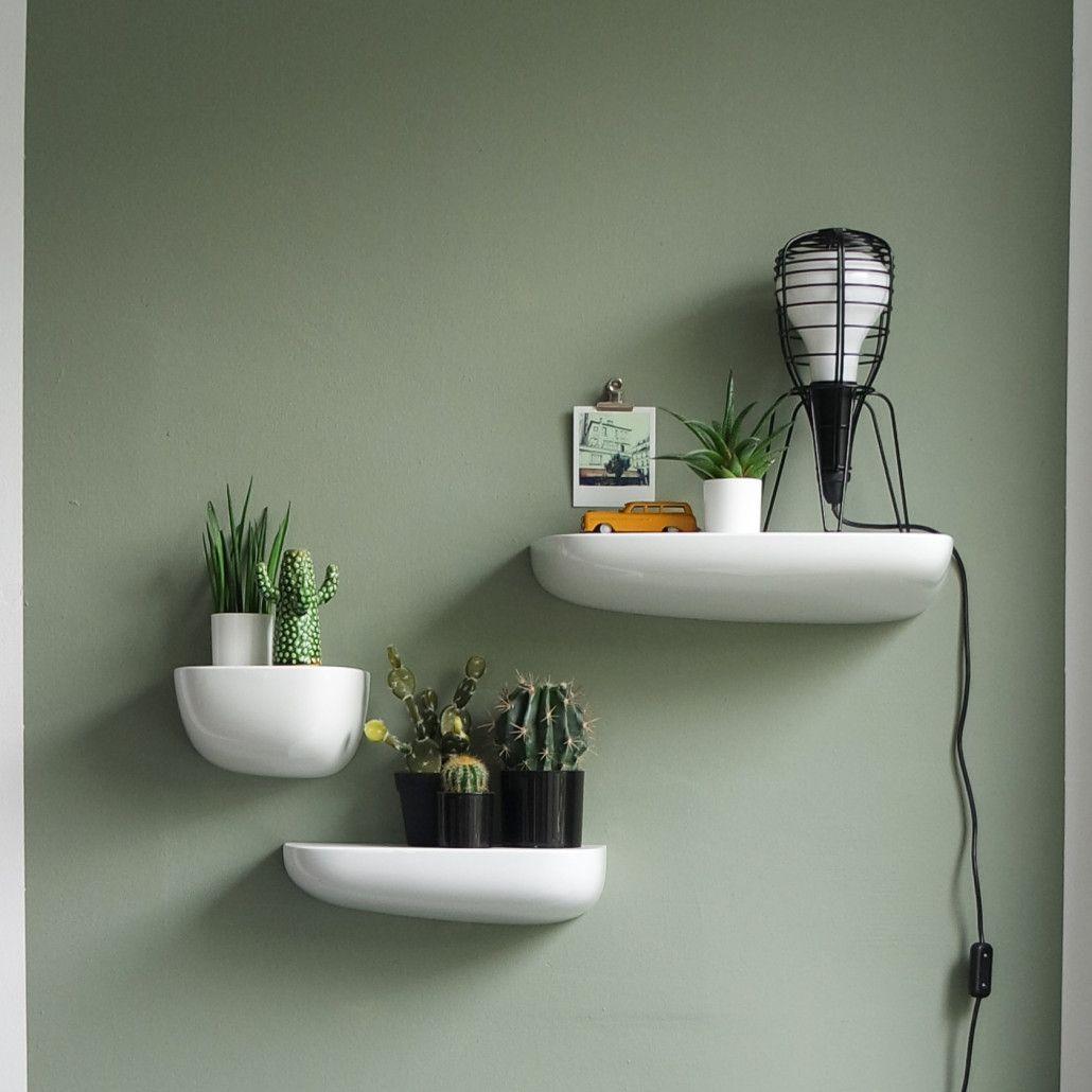 Kleurtrend vergrijsd groen home sweet home pinterest for Grijsgroene muur