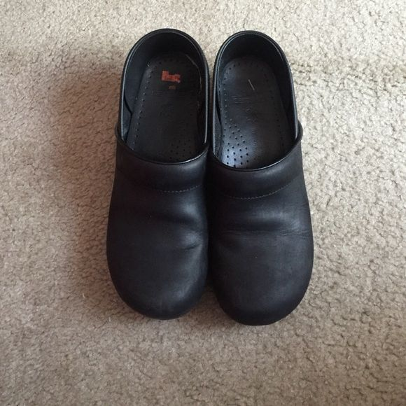 4c6822e7826d Women s Dansko clogs Worn a few times. Great condition. Size 40 narrow. I have  wide feet but they still fit. Also I m an 8.5 9 and they still fit Dansko  ...