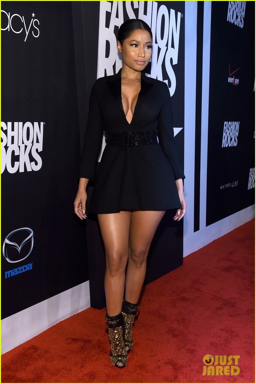 nicki minaj cleavage at fashion rocks 2014 10 Nicki Minaj shows ...