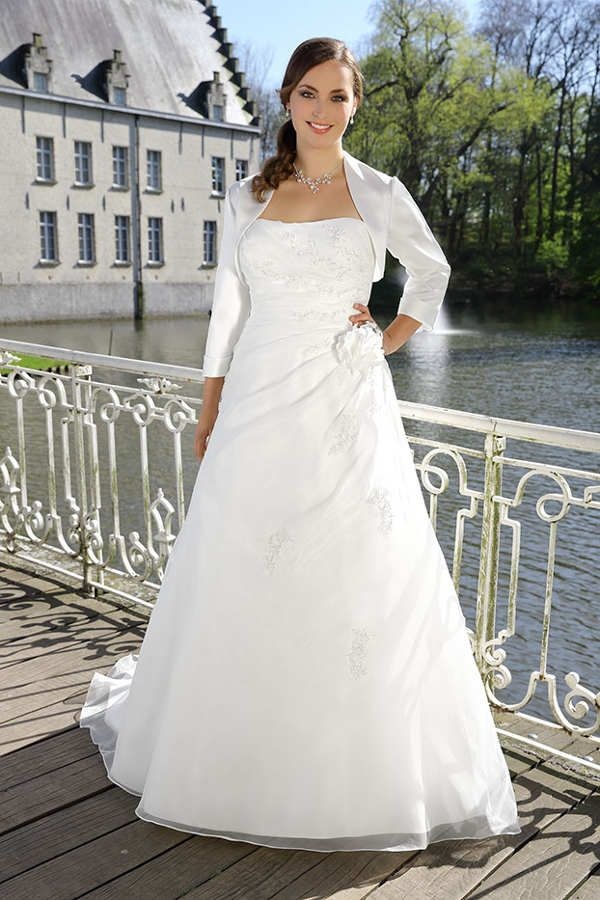Ladybird Crusz Berlin Brautmode Brautkleid Armelhochzeitskleider