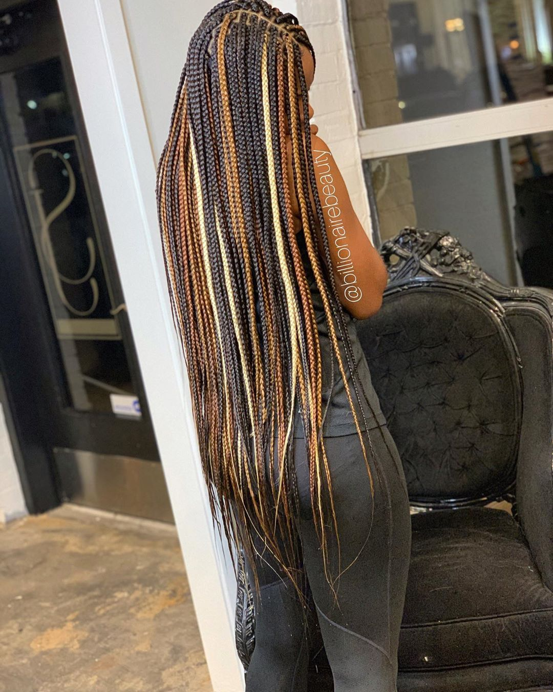 ???????????? Let me remind you of who the Box braid Queen is out here ???????????? I took some time away but I'm backkkkkk . . . . EXTRA LONG- SMALL Nola… #longboxbraids