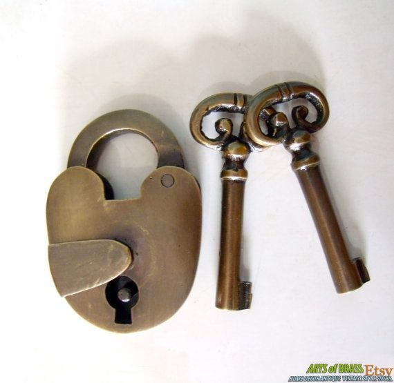 Antique Vintage Old Padlock With Skeleton Keys Solid Brass Safe Lock In 2020 Skeleton Key Lock Safe Lock Antique Keys