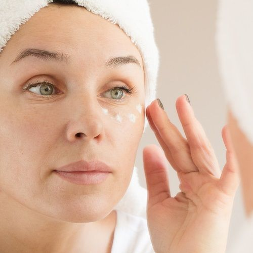 Here's How To Get A L'Oreal Anti-Wrinkle Facial Cream *And* Eye Cream For Less Than $15 #beauty #sty...