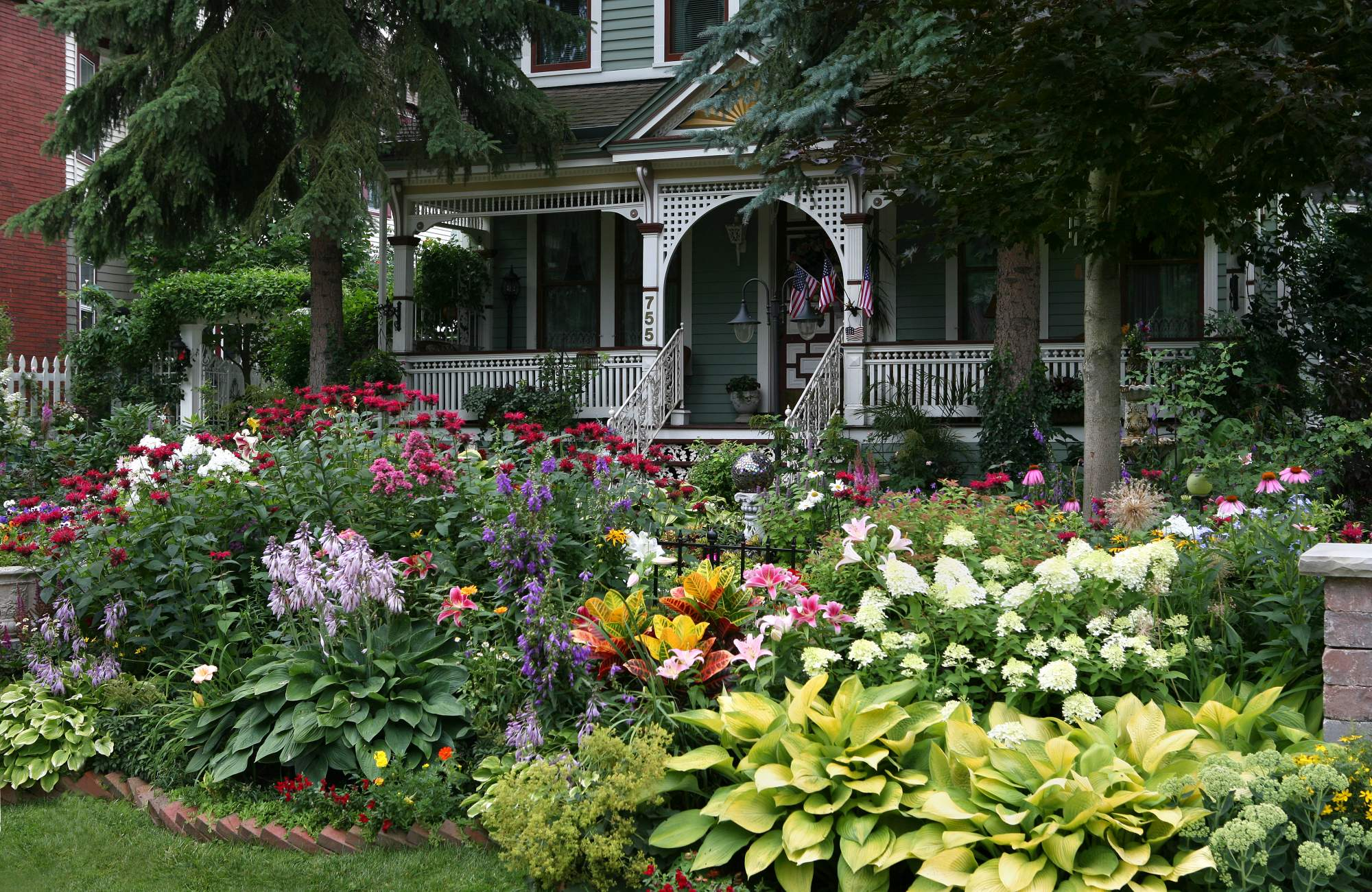 One A Day From Toronto Floral Facade Beautiful Gardens Beautiful Places Garden