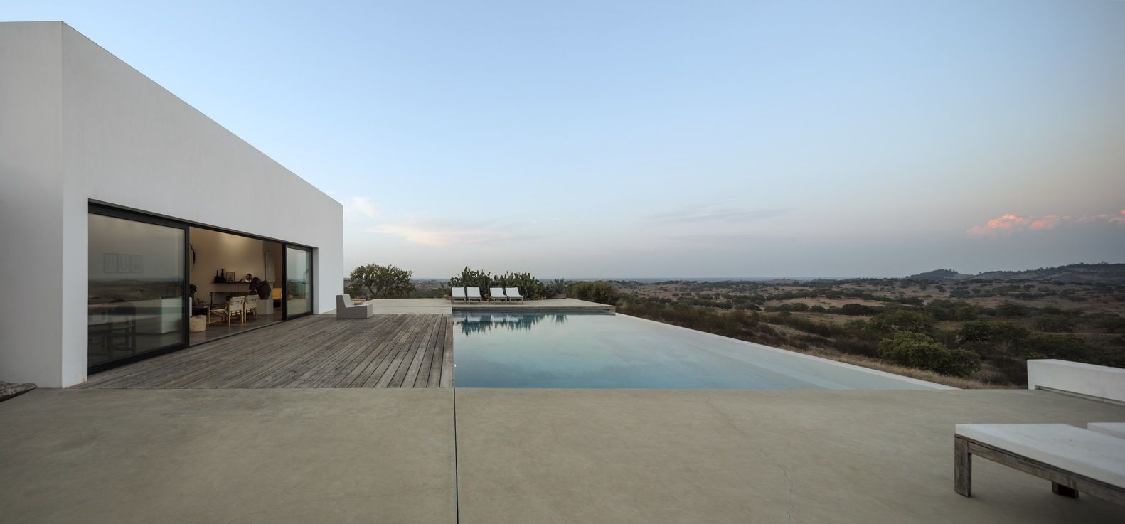 Gallery of Grândola House / ColectivArquitectura - 17