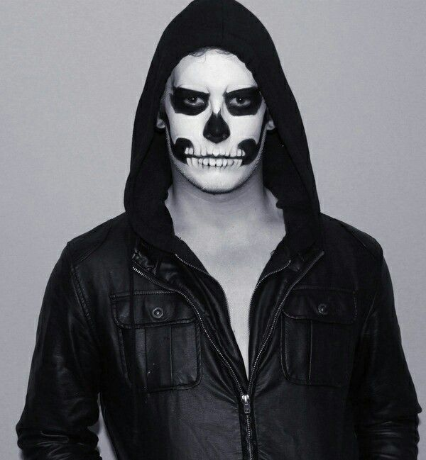 Male Skeleton Makeup Halloween Makeup Halloween Skeletons Mens Halloween Costumes
