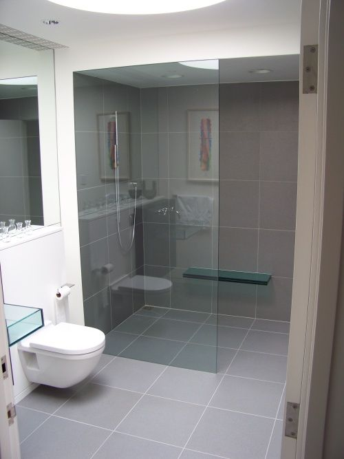 Bathroom with gray tile floor come on a my house for Bathroom ideas grey