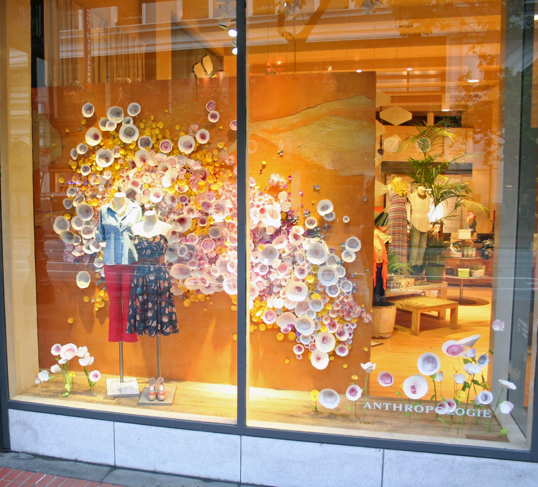 Sanfrancisco anthropologie flower crafts pinterest for Anthropologie store decoration ideas