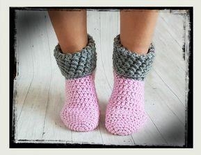 Photo of Free crochet pattern house socks