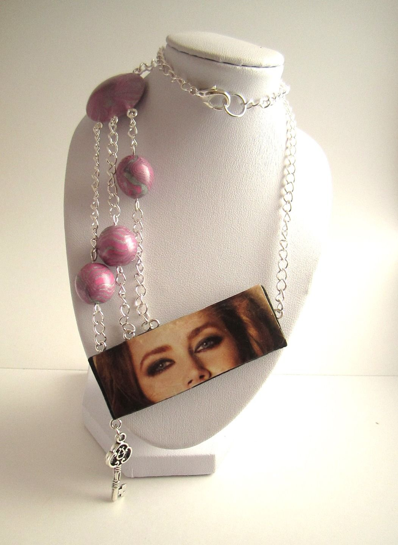 Collier asymétrique perles & photographie : Collier par mix-mania