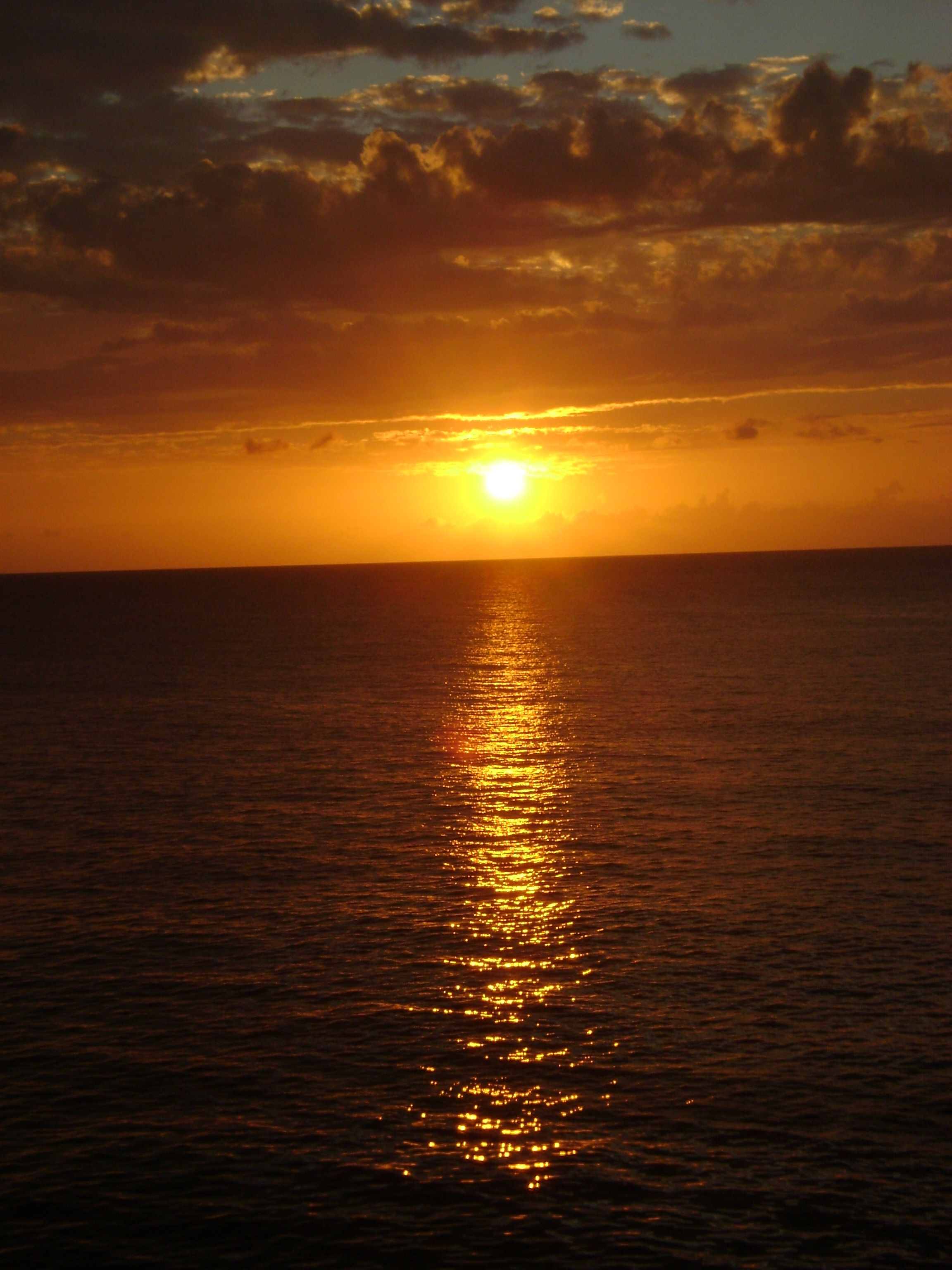 Maybe ill get to experience this Jamaican Sunset. Maybe the honeymoon that we never got?