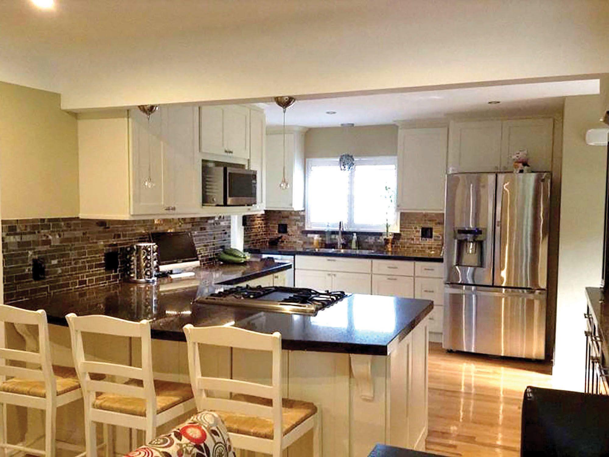 Royal Oak Michigan kitchen renovation features CliqStudios ...