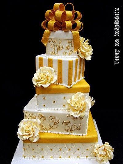 Zlato biela s ružami