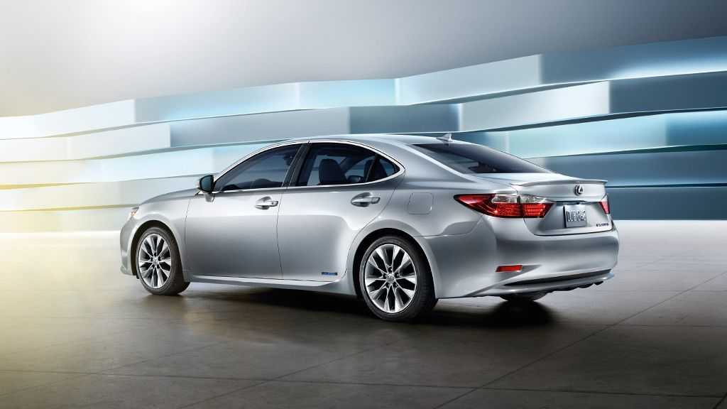 Es 300h Es 300h Shown In Silver Lining Metallic Lexus Es Lexus Cars Lexus