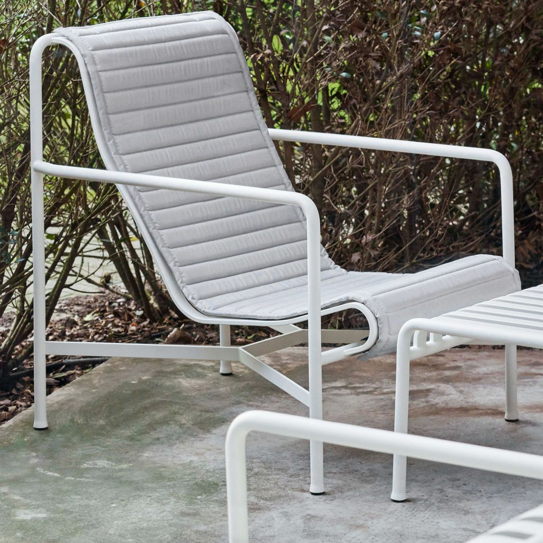 Mobilier Exterieur Macdonald Hay Palissade Outdoor Lounge Chair High In 2019 Spring 2018