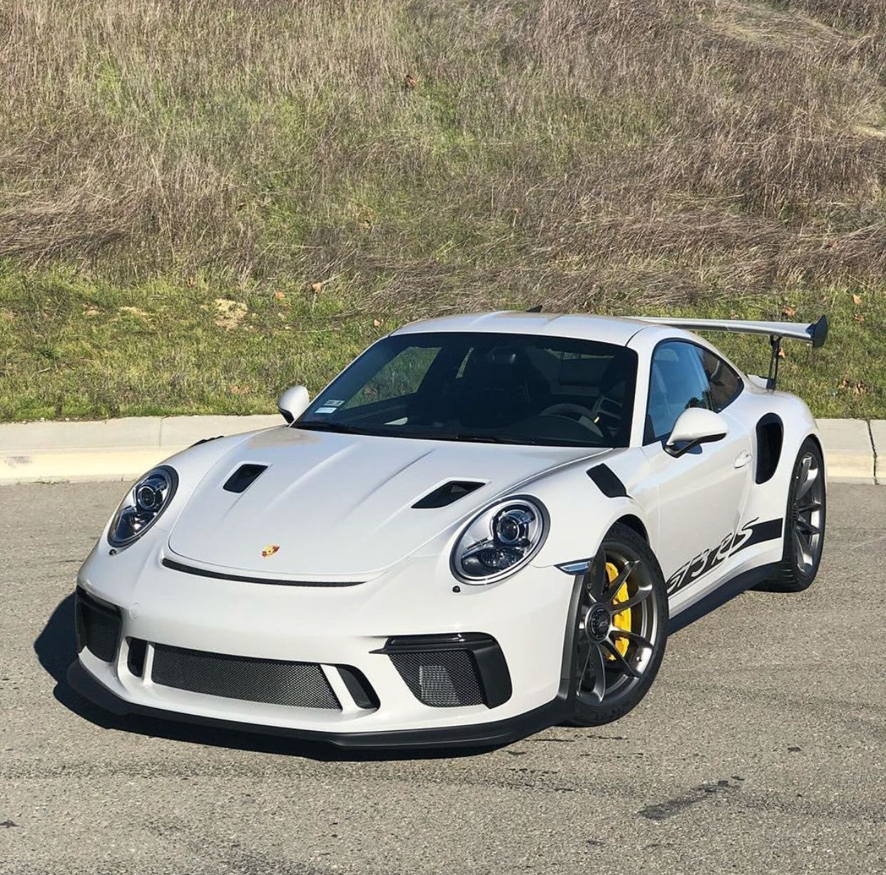 Pin By Shavez On Porsche (With Images)