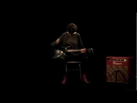 Música ligera por un gran guitarrista.