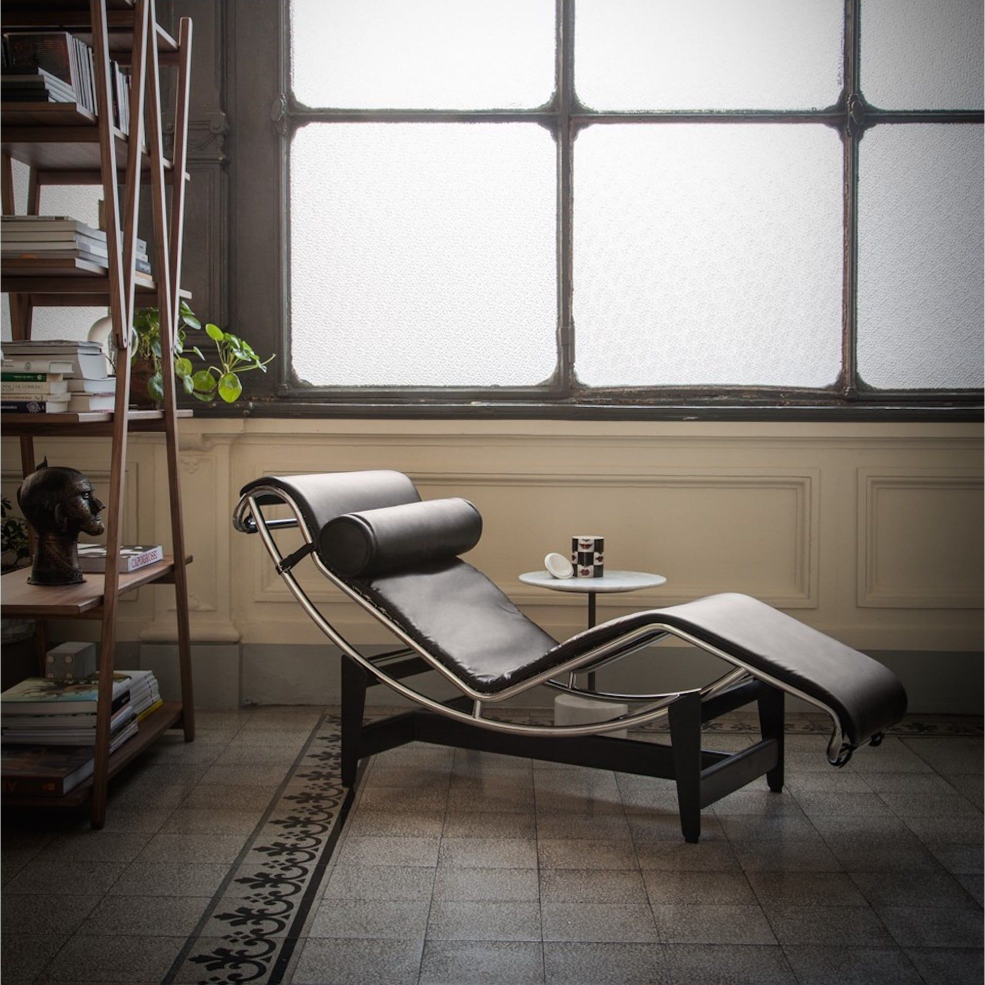 Idea By Firmino Campos On Seats In 2020 Home And Living Le Corbusier Eames Lounge Chair