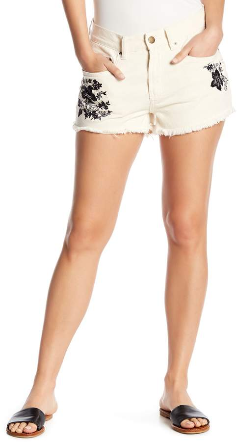 bf3081d5f206f Short fashions. Disclosure  My pins are affiliate links