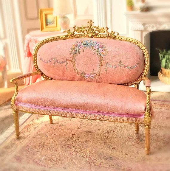 Doll House Furniture 1:12 scale Ceiling rose victorian pink and gold