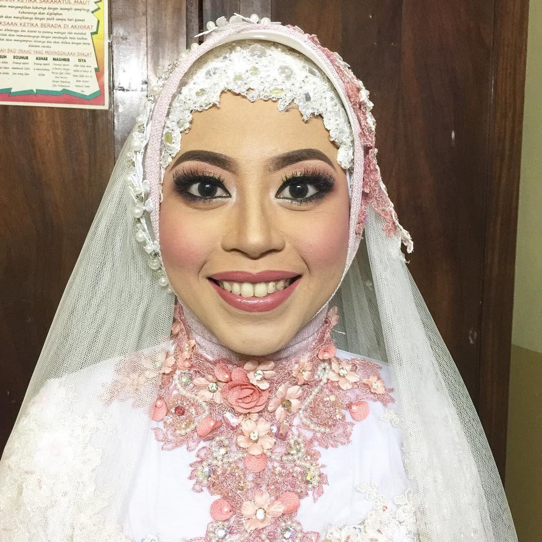 Aishwarya rai wedding dress  griyariasmualombok pengantinmuslimahpengantinmuslimah