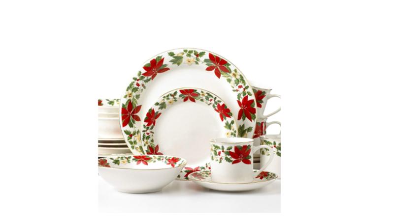 Christmas Dinnerware Sets We Love Christmas Dinnerware Christmas Dinnerware Sets Holiday Dinnerware