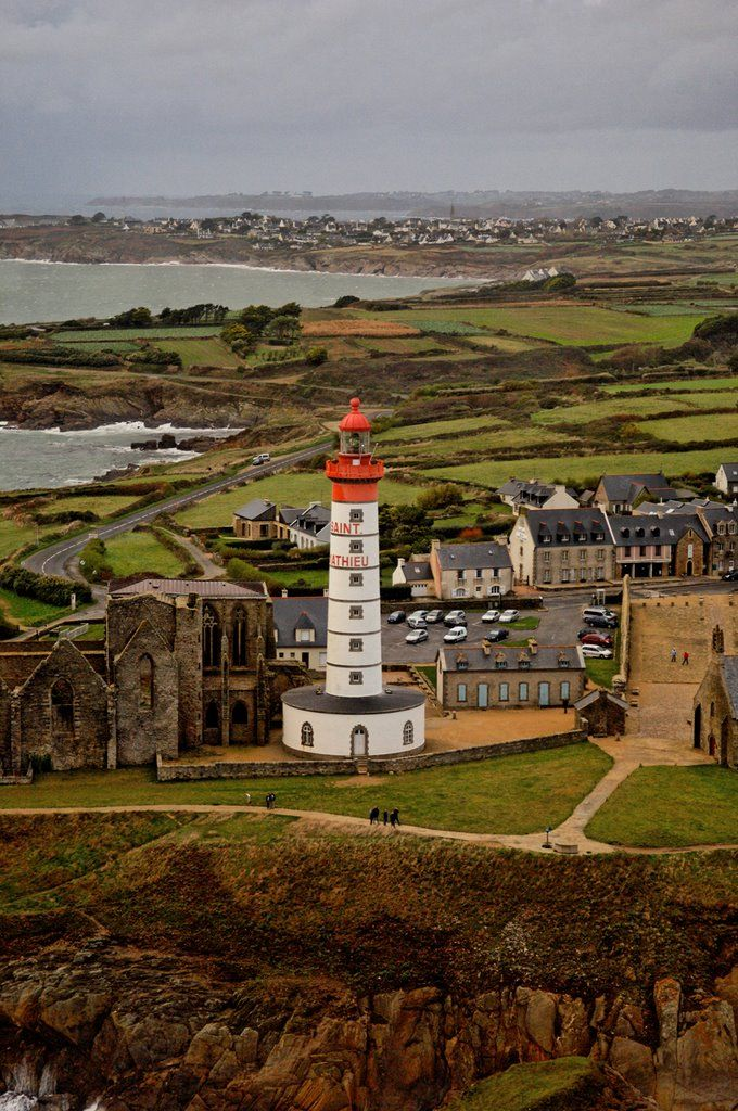 Pointe St Mathieu et son phare