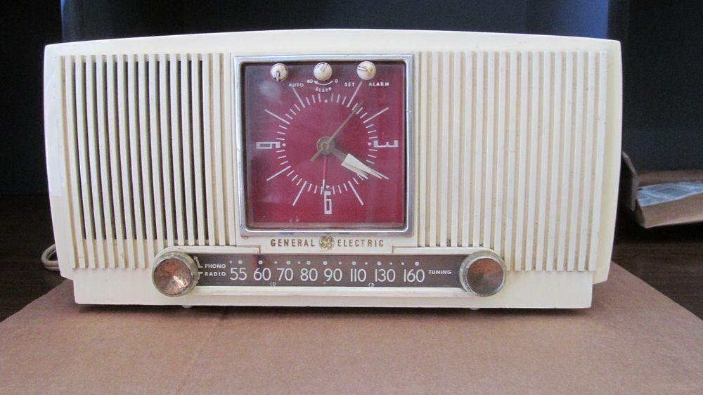 MODEL 573 GENERAL GE ELECTRIC CLOCK ALARM RADIO 1955 TUBE WORKING GE RADIO CLOCK #GE