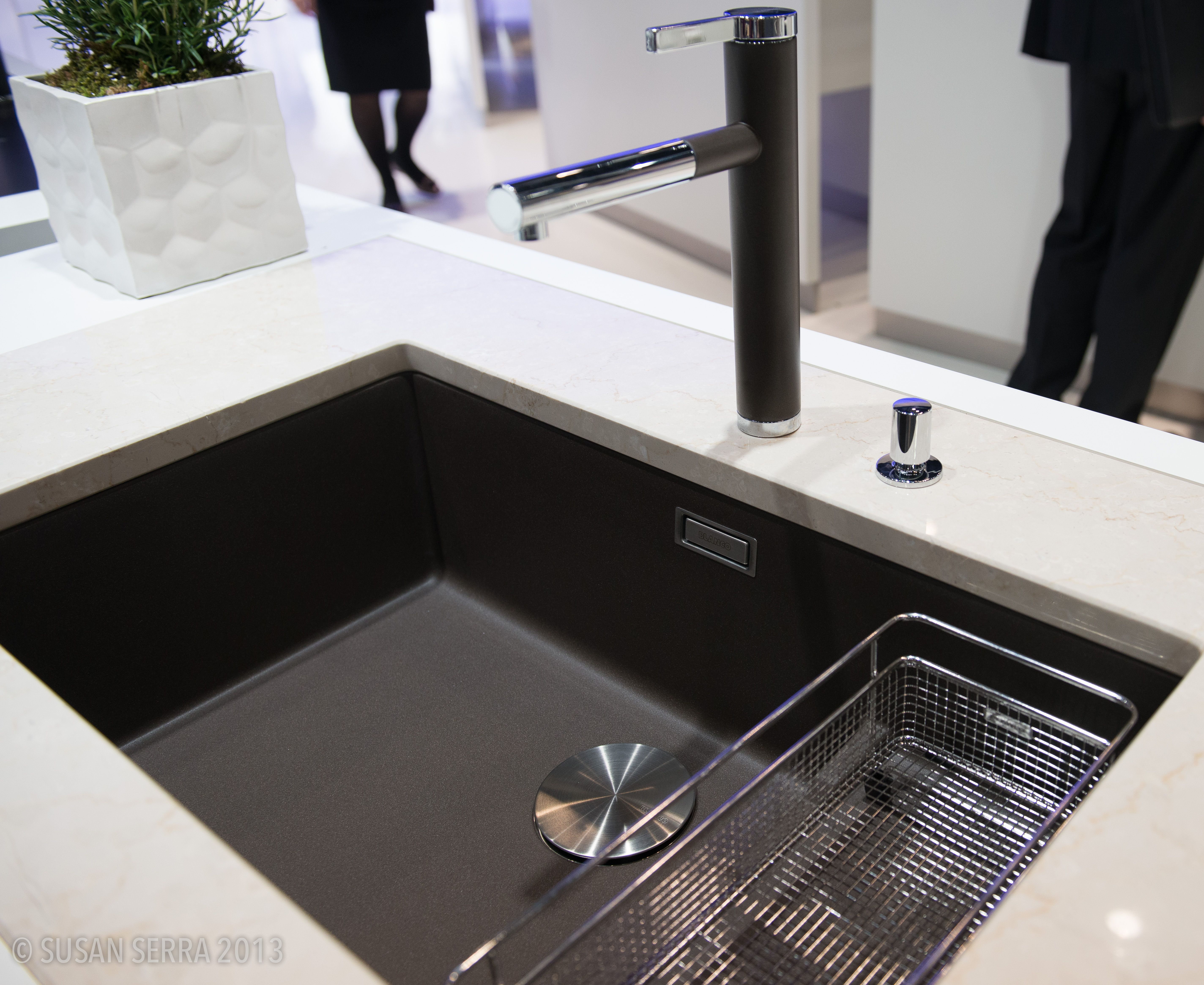A Large Single Sink Does Not Get More Chic Than This Blanco Extra