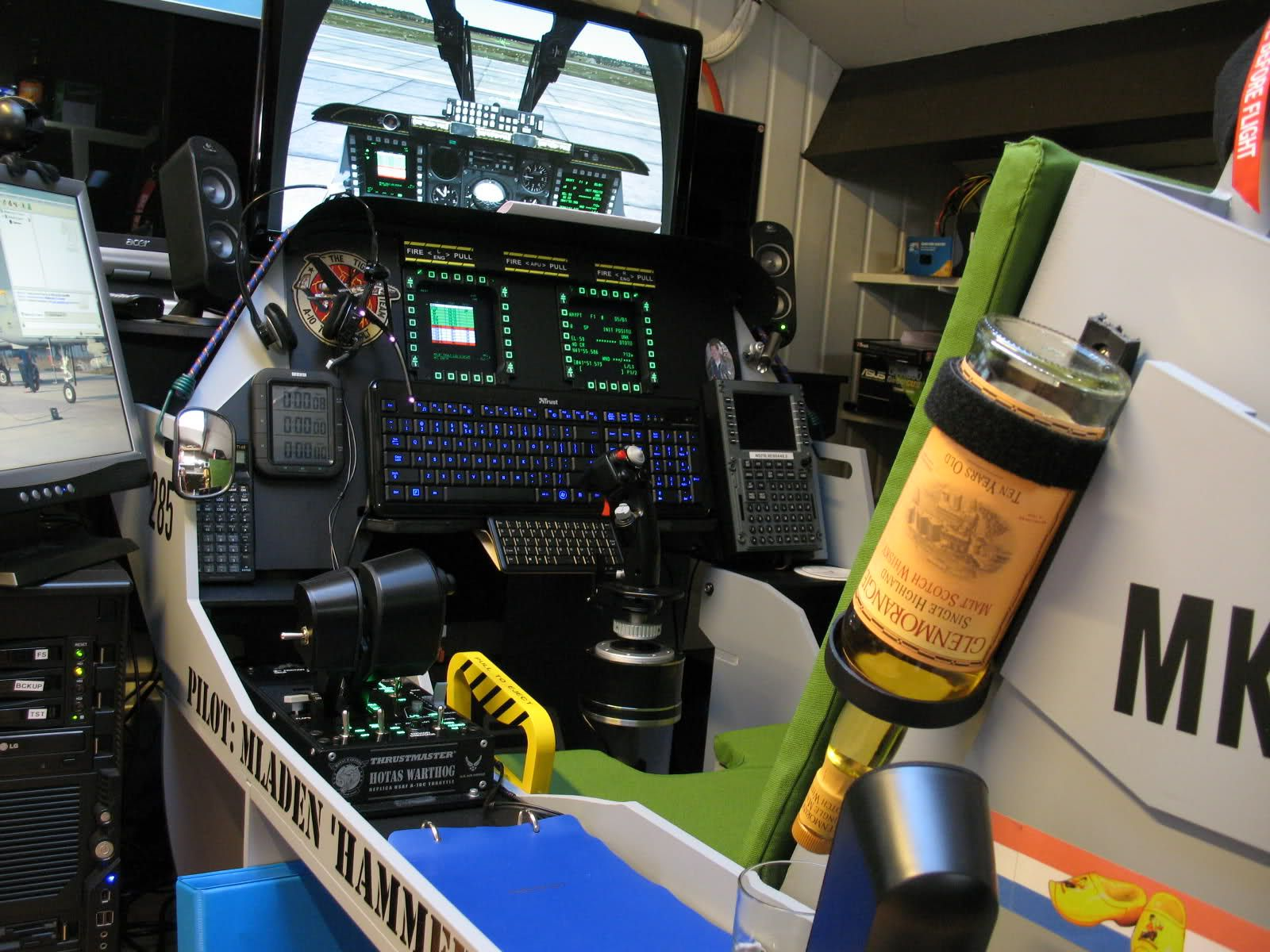Flight Sim setup done right!! DCS A-10 & Whiskey  | Flight