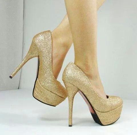Tacones dorados con plataforma zapatos pinterest tacones dorados plataforma y tacones - Con 2 tacones ...