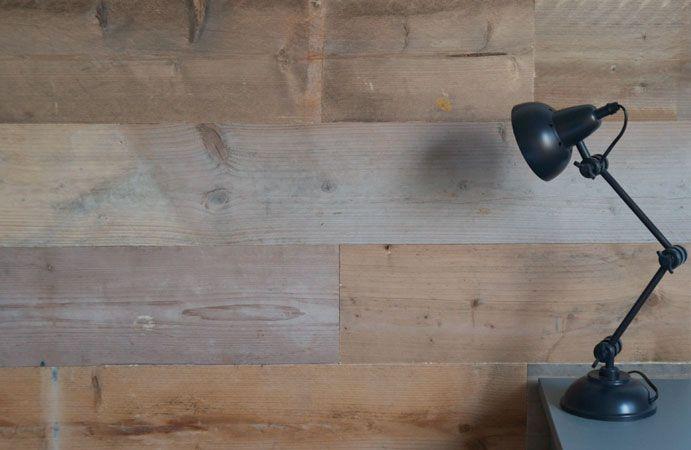 Het zelfklevend decoratief hout van karwei is ideaal voor