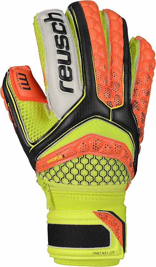 Best Goalkeeper Gloves Reviews Of 2020 Recommended 10 Goalkeeper Gloves Goalkeeper Gloves