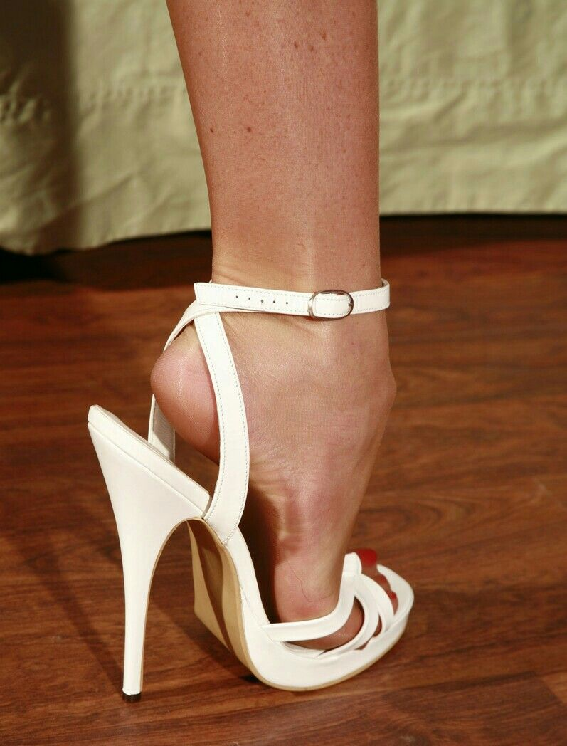 Pin on Pretty Shoes