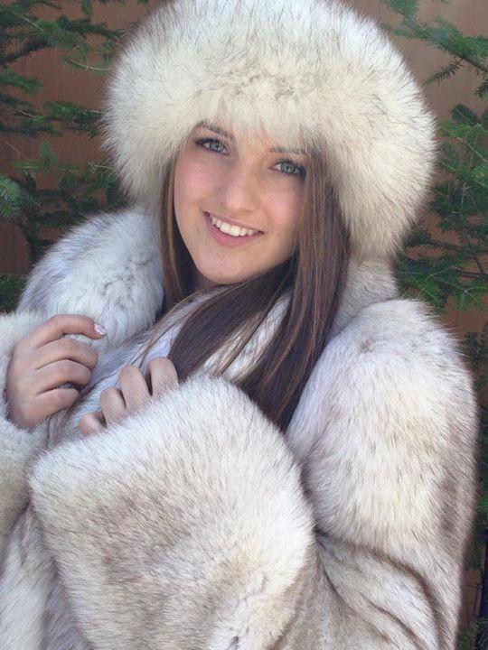 Blue Fox fur coat hat  e558db4b8fe