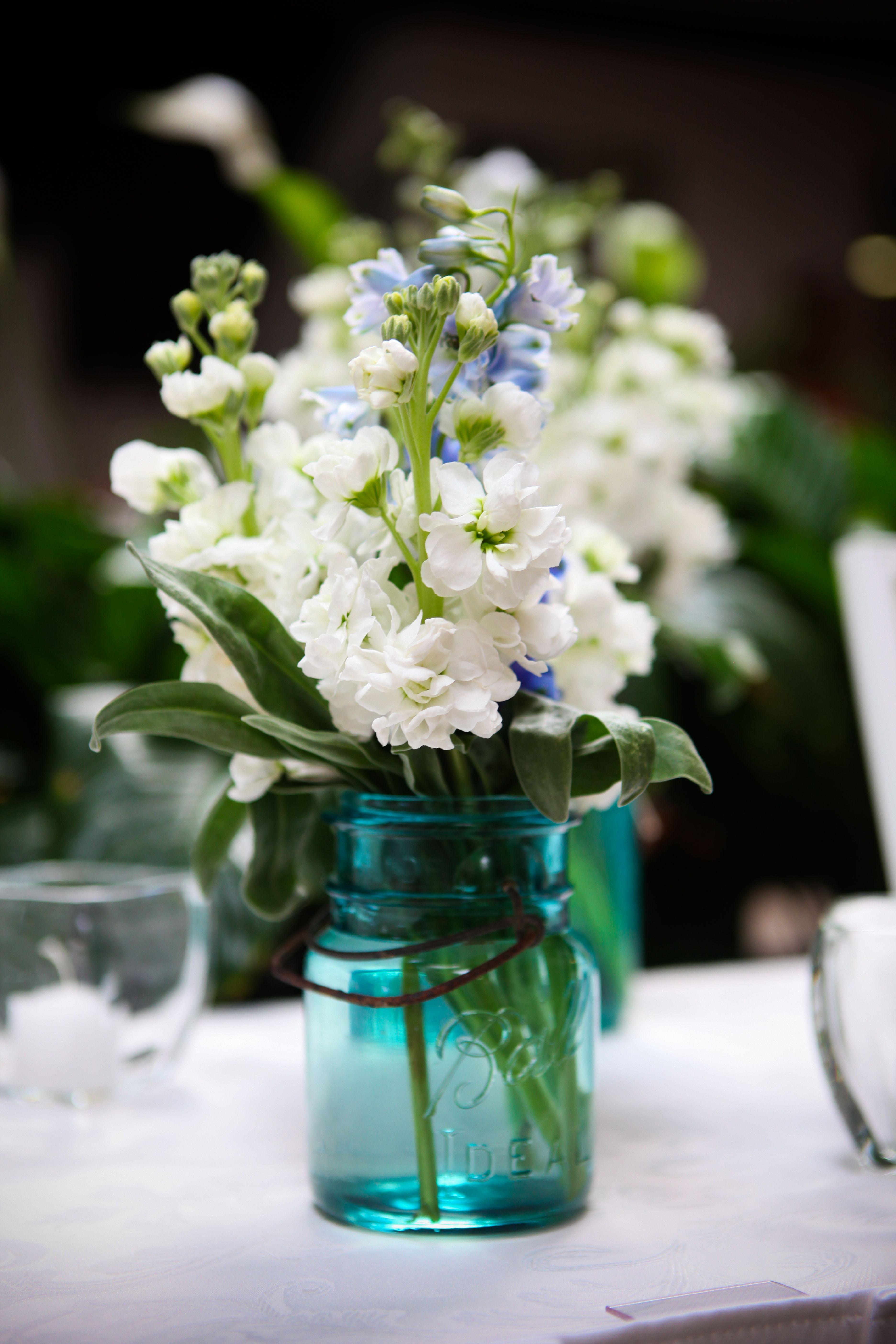 Pinterest & Obsessed with blue mason jars :)   Things I Love   Blue mason jars ...