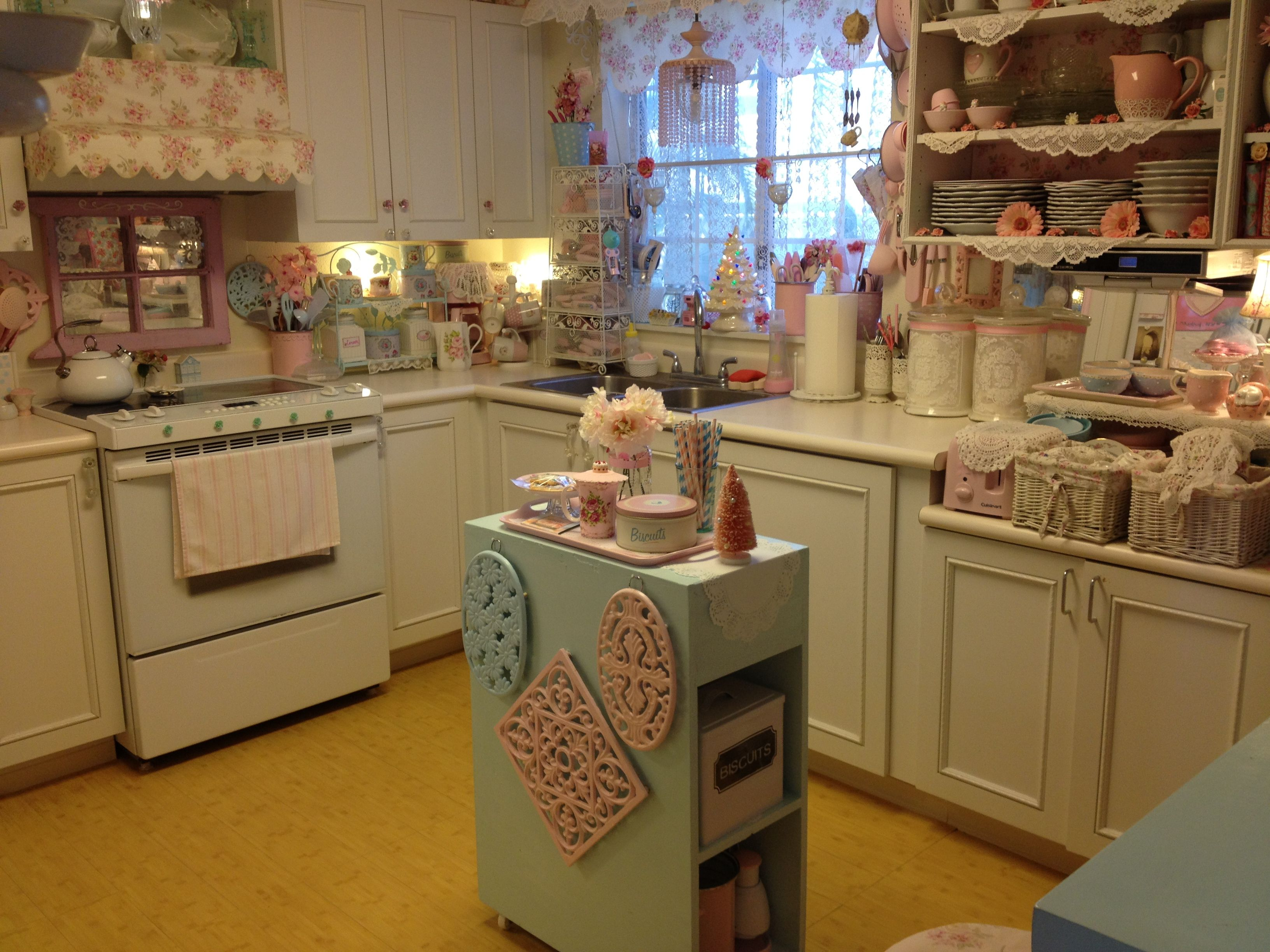 Shabby Chic Kitchen Decor Cabinets Pictures Pink With Blue Work Station And