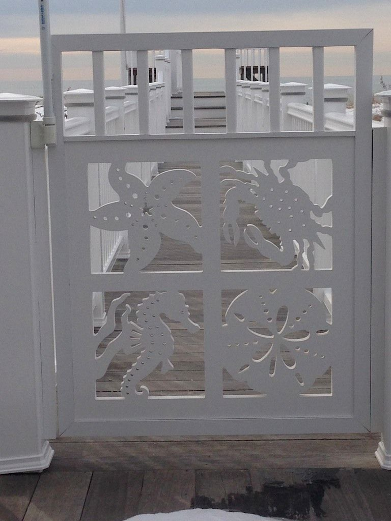 Want To Have An Eye Catching Gate For Your Coastal Home Takes Minutes To Create For A Lifetime Of Beauty Beach House Decor Beach Cottage Style Coastal Decor