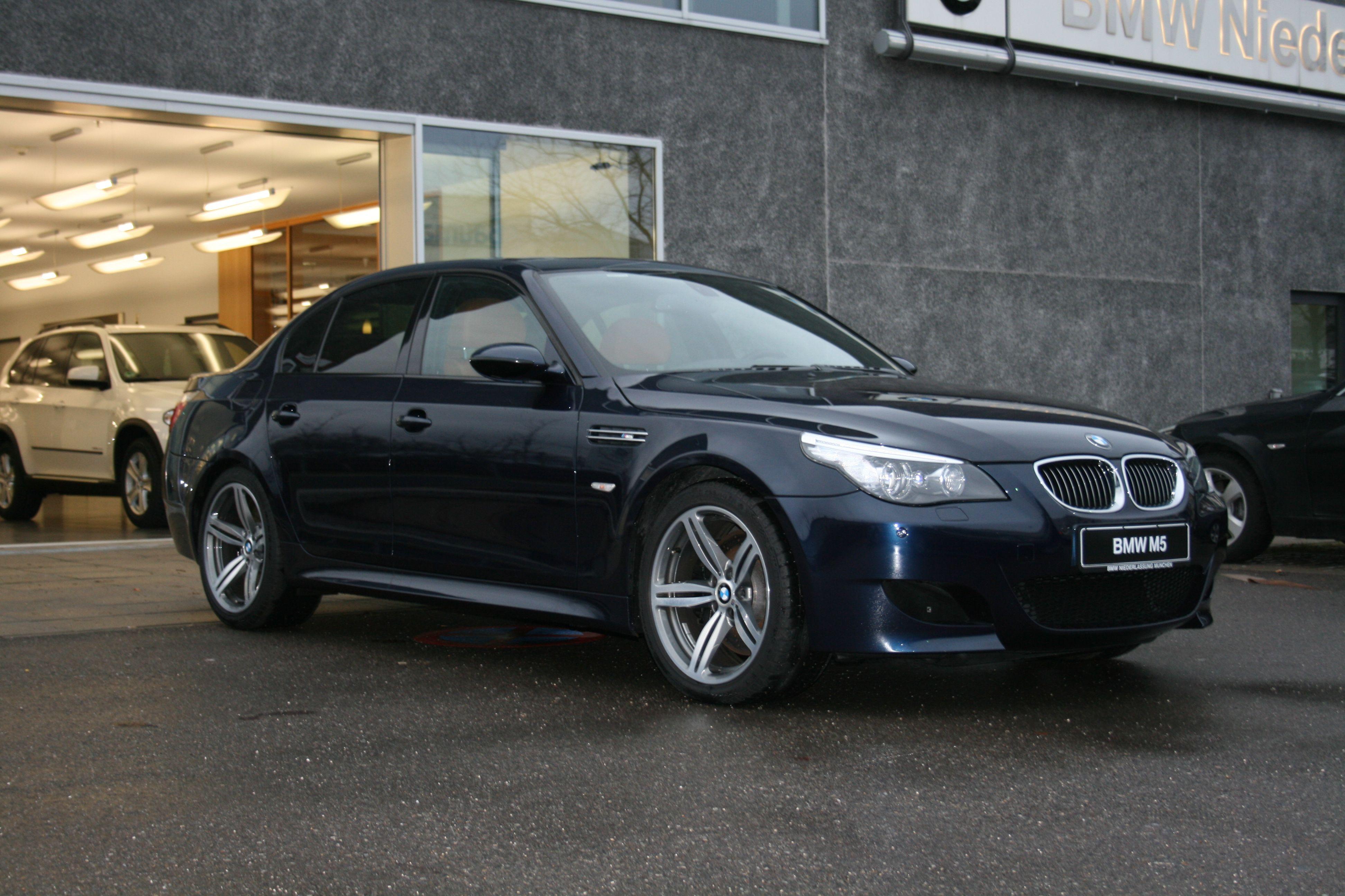 BMW M5 Individual Blue Onyx with Leather OxydBraun BMW