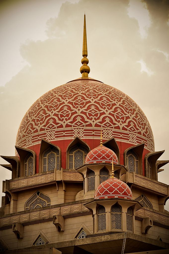 Red Mosque | Islamic architecture, Architecture, Beautiful mosques