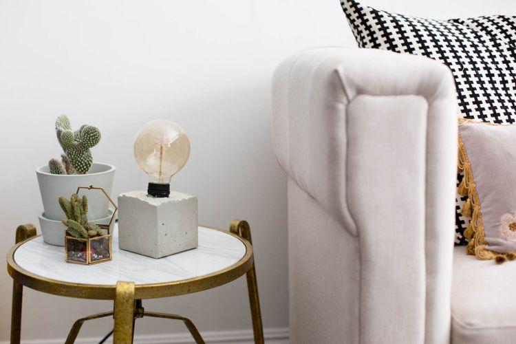 schöne Tischdekoration für Wohnzimmer mit Beton in hellen - schöne bilder fürs wohnzimmer
