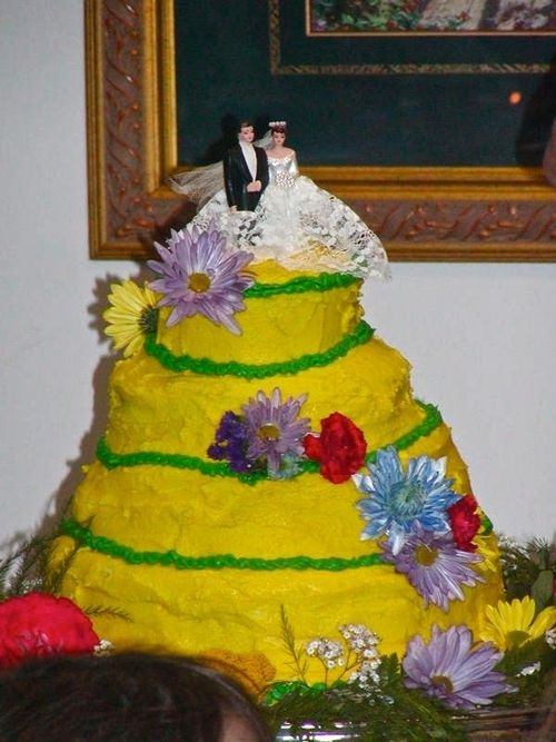 Wedding Cake Fail-Dayum that\'s really a do it yourself wedding ...